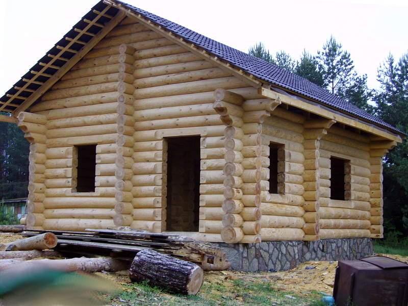 Дом ручной рубки с мансардой готовый